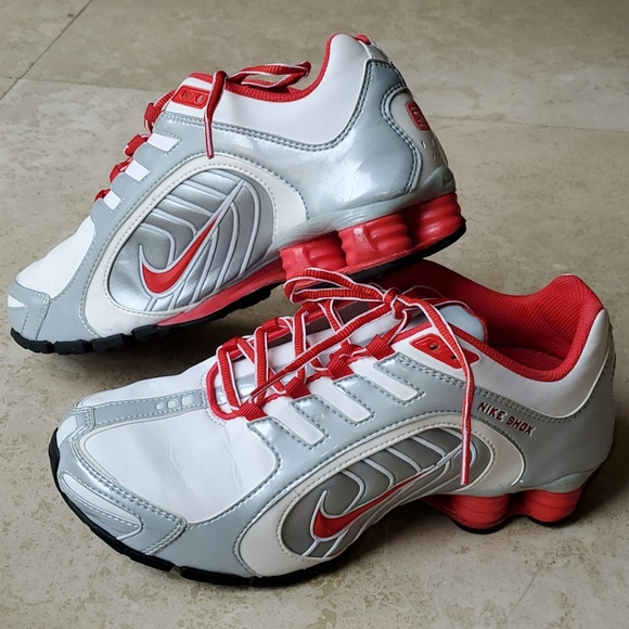 Nike Shoes   Nike Shox Navina Womens